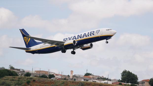 Huelga de los tripulantes de cabina de ryanair en 20 d as y otras noticias econ micas del d a - Cabina ryanair ...