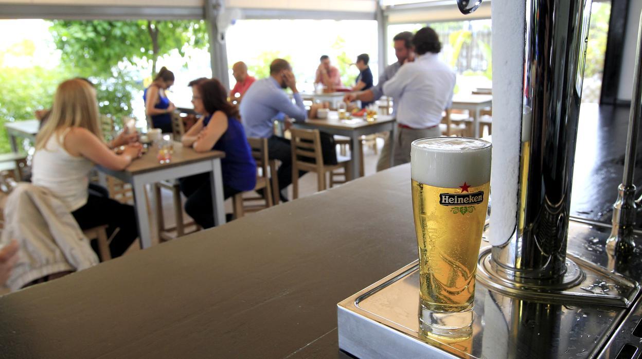 Las ventas de Heineken en 2018 pinchan por las malas temperaturas