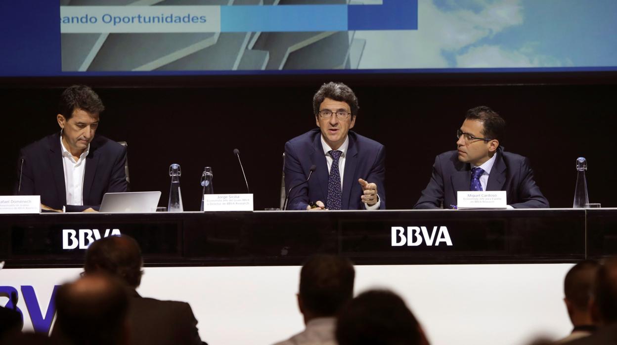 BBVA mantiene las previsiones de crecimiento para España en 2018 y 2019 pero eleva las de déficit