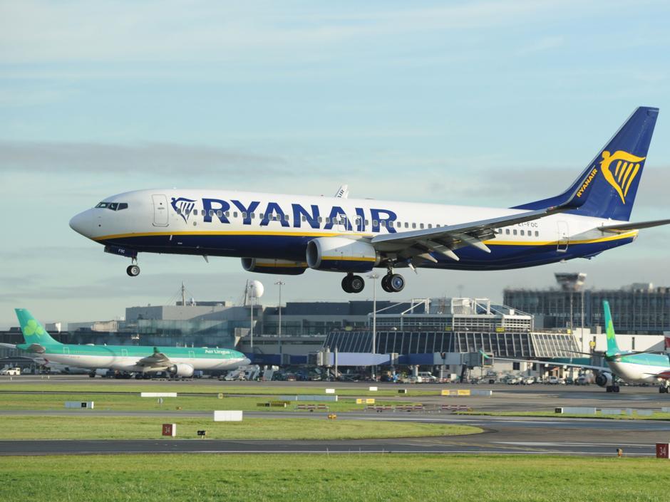 Los servicios mínimos de la huelga de Ryanair solo afectarán a los trabajadores con contrato en España