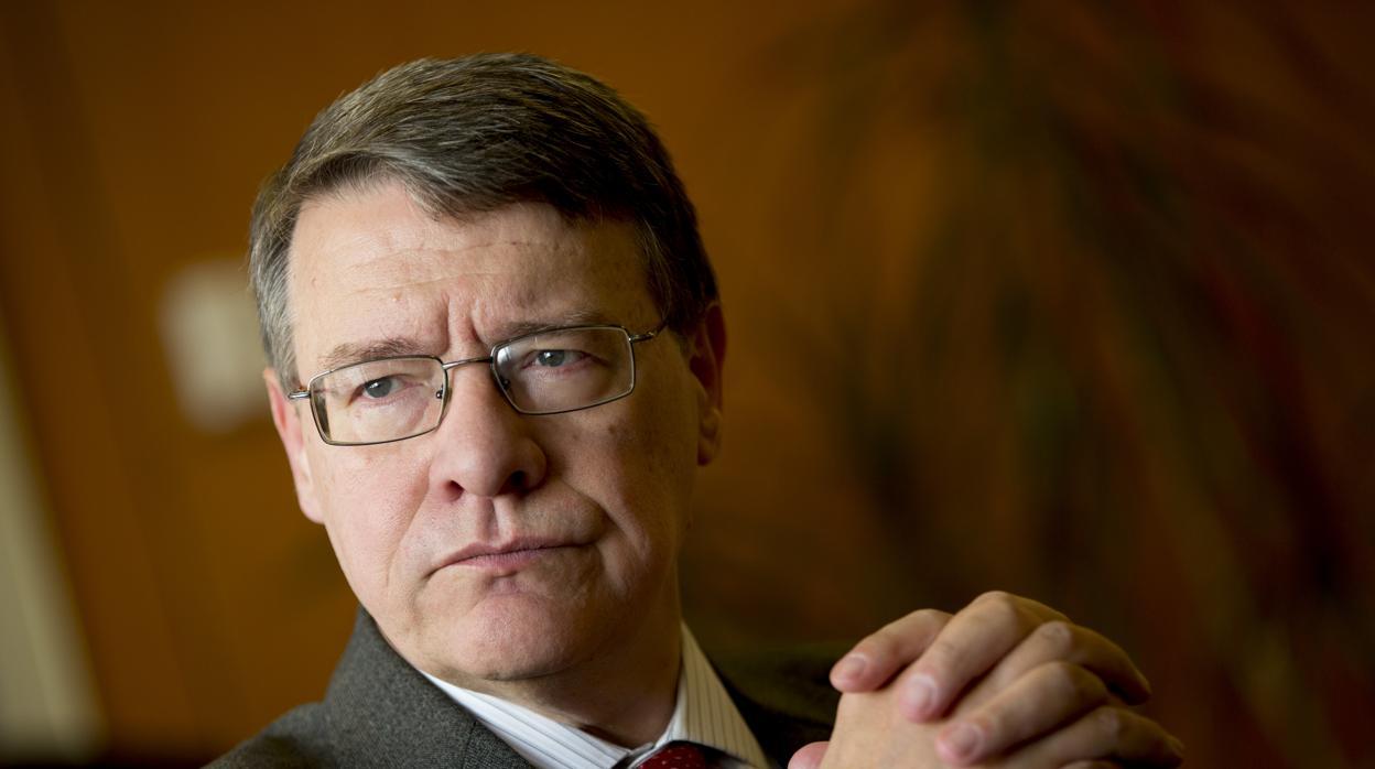 El Gobierno propone al exministro socialista Jordi Sevilla como presidente de Red Eléctrica