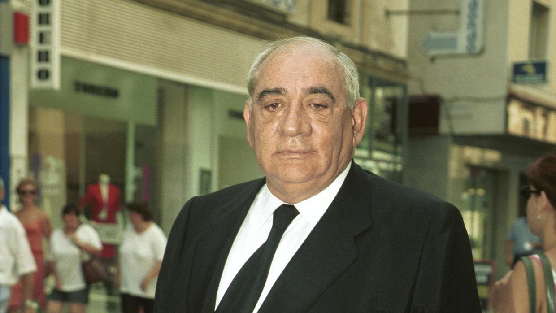 Isidoro Álvarez: el misterioso hombre de traje oscuro