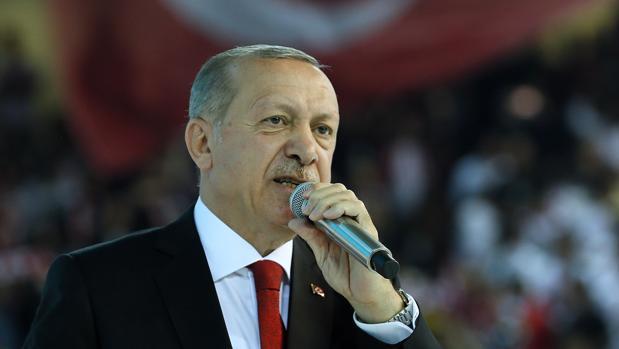 Recep Tayyip Erdogan, presidente de Turquía, dando un discurso en una convención de su partido