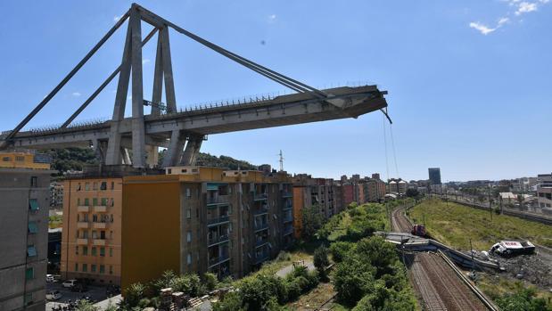 Restos del puente Morandi, en Génova, Italia