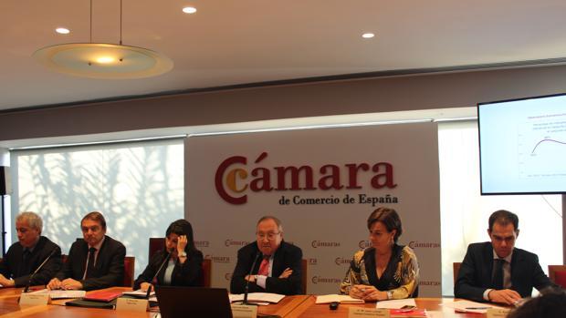 Conferencia de prensa para presentar la encuesta realizada por Sigma Dos para la Cámara de Comercio de España