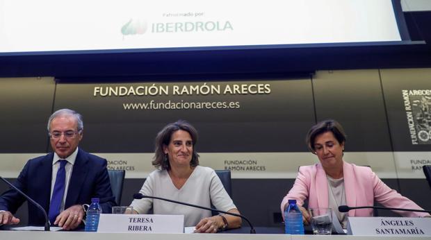 El responsable de Viesgo, la ministra de Transición Ecológica y la consejera delegada de Iberdrola
