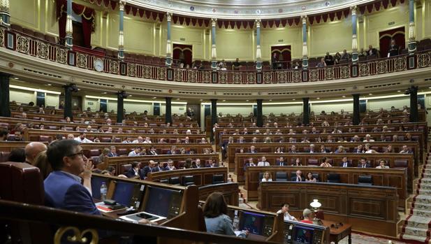 España se juega multas millonarias por tardar en adoptar 16 directivas