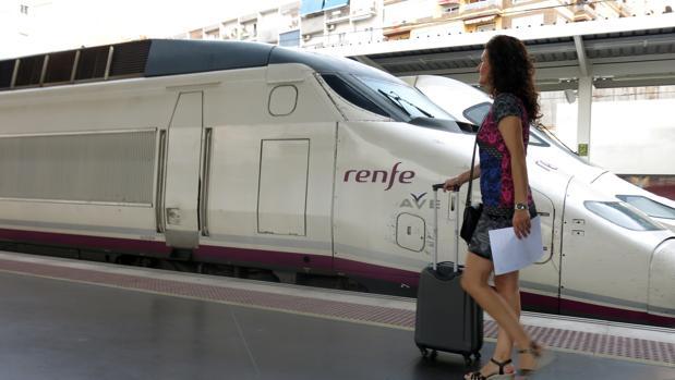 Renfe estudia impugnar la llegada del AVE privado a España