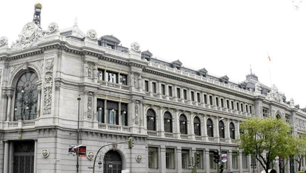 El Banco de España empeora su previsión de crecimiento y avisa de la «incertidumbre» política