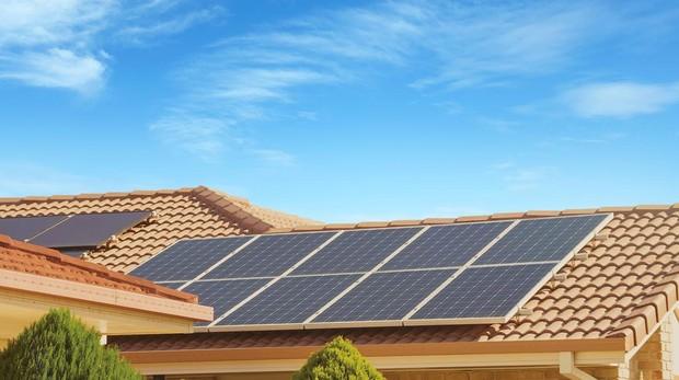 Unos paneles solares instalados en una vivienda