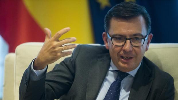 Román Escolano, en una entrevista con ABC en su etapa de ministro de Economía , en abril pasado