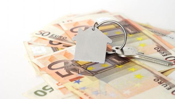 Pagar la renta del alquiler ya conlleva destinar más de la mitad del sueldo medio