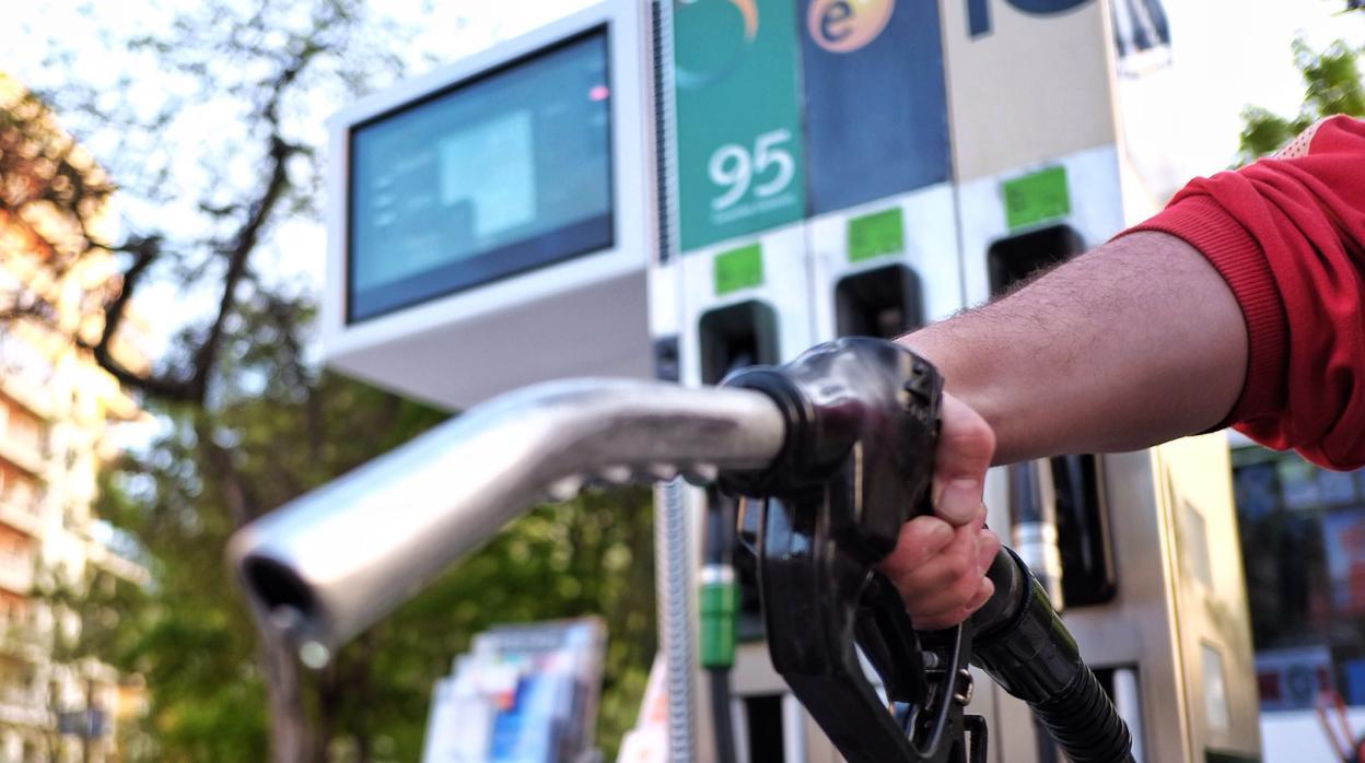 Los conductores pagarán 670 millones por el «impuestazo» al diésel