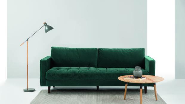 Una muestra de un sofá a la venta en Made.com