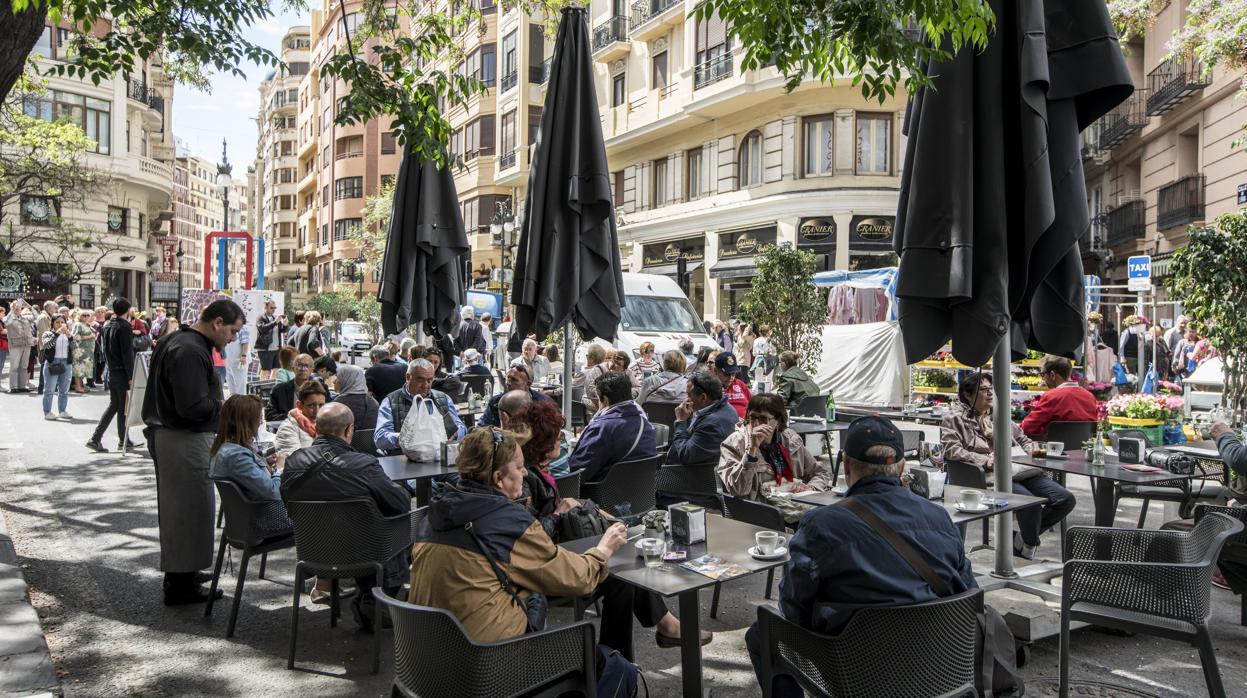 El sector turístico, otra voz en contra de los Presupuestos de Sánchez