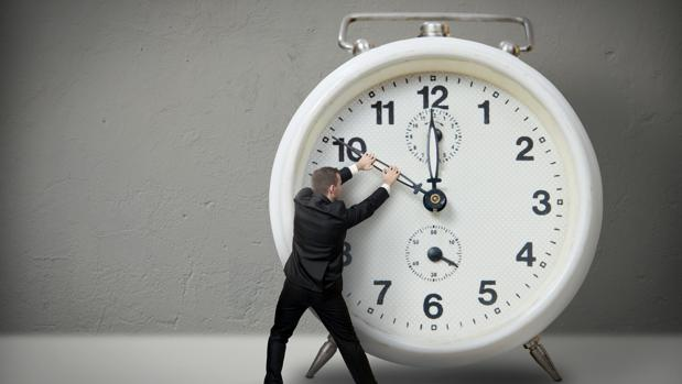 La Comisión Europea cuestionó el ahorro real del cambio de hora en un informe hace 10 años