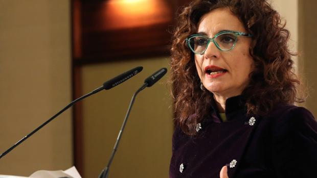 La ministra ha insistido en que el Gobierno ya tiene un «plan» de contigencia a la espera del fallo del Supremo