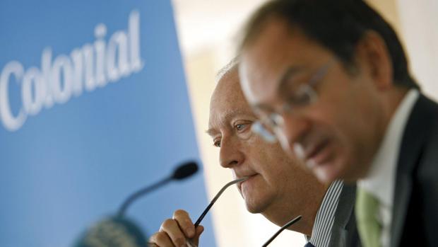 EstaJuan José Bruguera, presidente de Colonial (izda) junto al CEO de la socimi, Pere Viñolas (dcha)