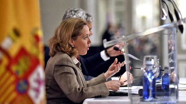 La ministra de Economía, Nadia Calviño, en el desayuno de esta mañana