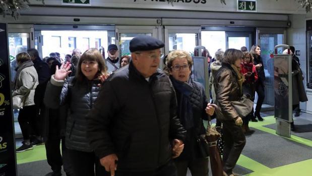 Comienzo de las rebajas del «Black Friday» en El Corte Inglés