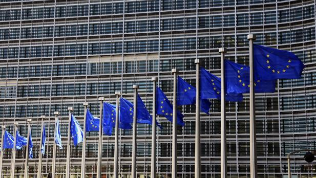 Bruselas alerta de que el cambio en el impuesto de las hipotecas reducirá y encarecerá el crédito