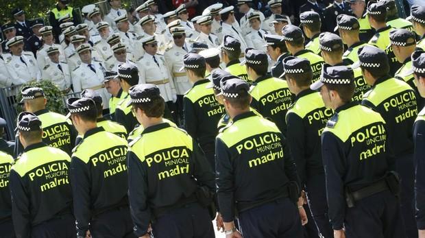 La Policía Municipal de Madrid en el día de San Juan Bautista, patrono del cuerpo