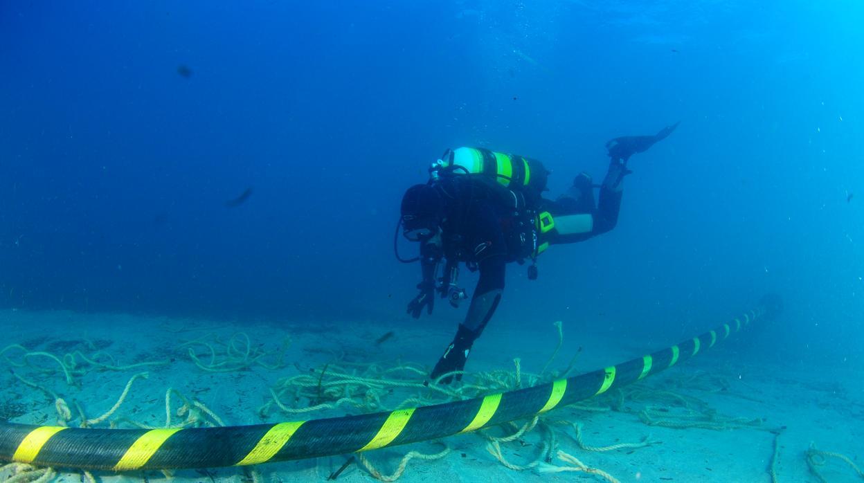 Mallorca e Ibiza, unidas por el cable submarino en corriente alterna más largo del mundo