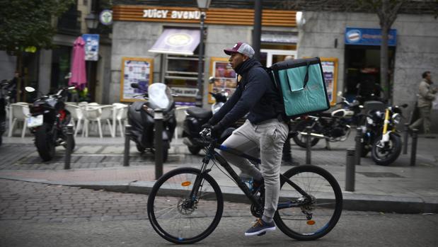 Los «riders» de Deliveroo han sufrido un revés judicial en el Reino Unido