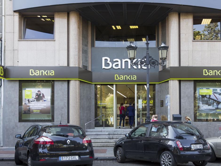 Bankia reordena su negocio de seguros y firma sendas alianzas con mapfre y caser - Bankia oficina movil ...