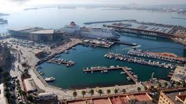 La decisión de Rabat de cerrar su oficina de aduana en verano ha condicionado la actividad del puerto