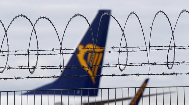Los tripulantes de Ryanair han pedido al Gobierno que interceda en el conflicto