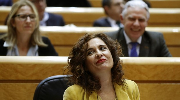 La ministra de Hacienda, María Jesus Montero, en el Senado