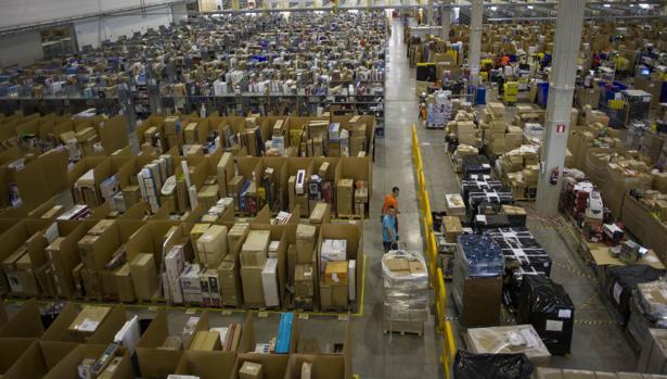 Amazon, las sombras de un modelo que amenaza con inundarlo todo