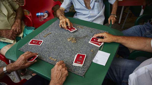 En la actualidad, de media un jubilado no ha cotizado el número de años suficientes para cobrar pensión durante toda su jubilación