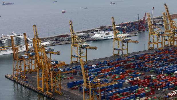la tasa de cobertura (porcentaje de las importaciones que pueden pagarse con las exportaciones) ha quedado en el 89,6% , frente al 91,8% de un año antes