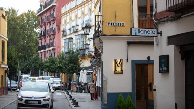 Un barrio de Sevilla con un edificio recién vendido para destinarse a alquiler