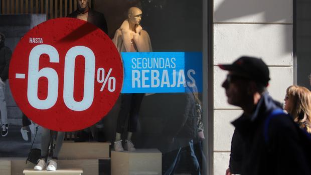 Las ventas del textil tocan fondo por los descuentos y el online