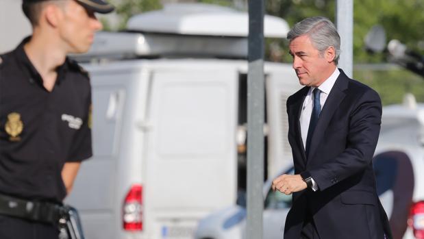 Acebes tuvo que ir a declarar a la Audiencia Nacional por la salida a Bolsa de Bankia