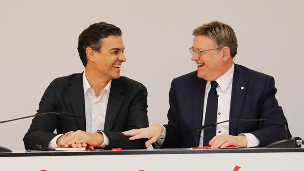El presidente del Gobierno, Pedro Sánchez, junto al presidente de la Comunidad Valenciana, Ximo Puig