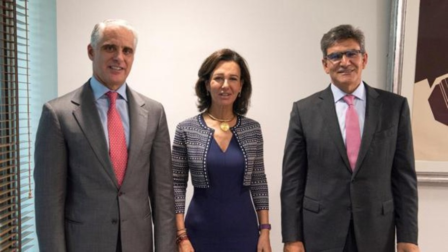 Orcel contrata al bufete De Carlos Remón y estudia demandar al Santander por su fichaje frustrado