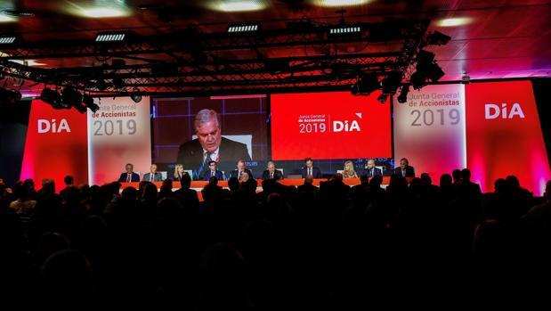El vicepresidente de DIA, Richard Golding, durante su intervencióin en la Junta de Accionistas