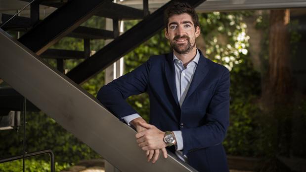 Javier Arizmendi, de Tressis, posa para la entrevista con ABC