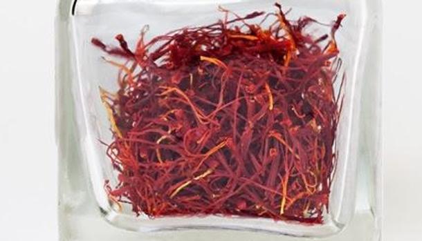 El azafrán se produce a partir de los estigmas secos de la planta Crocus sativus