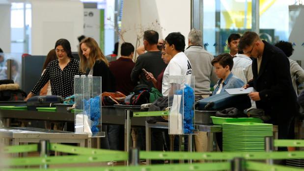 Nuevas huelgas en trenes y aviones en Semana Santa: así te afectan si viajas en estas fechas