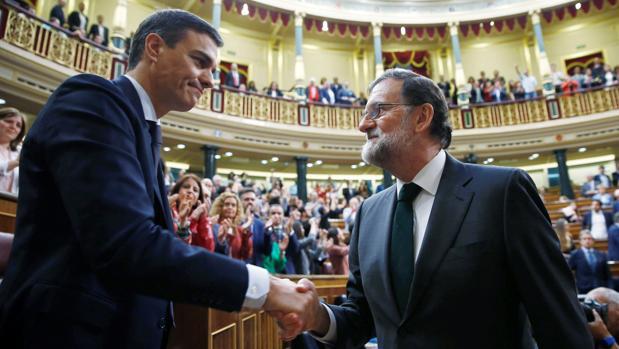 España acumula un déficit de casi 800.000 millones desde 2008