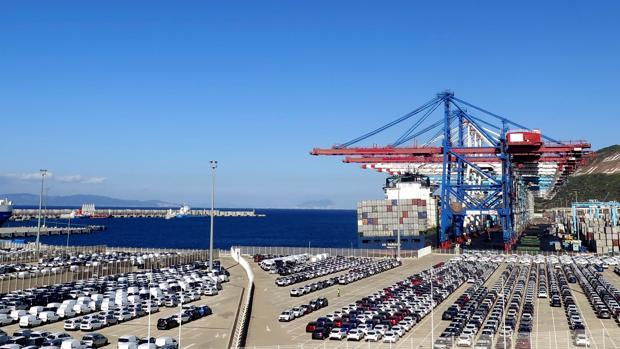 Las exportaciones españolas se estancan en febrero
