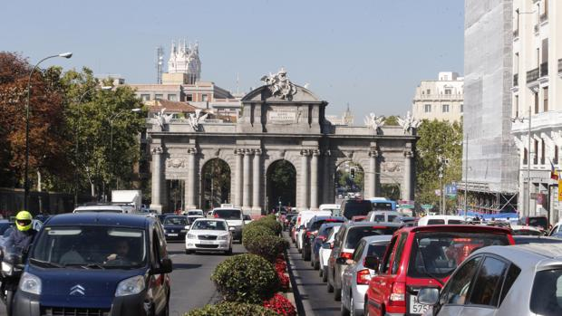 Una imagan de la famosa Puerta de Alcalá de Madrid