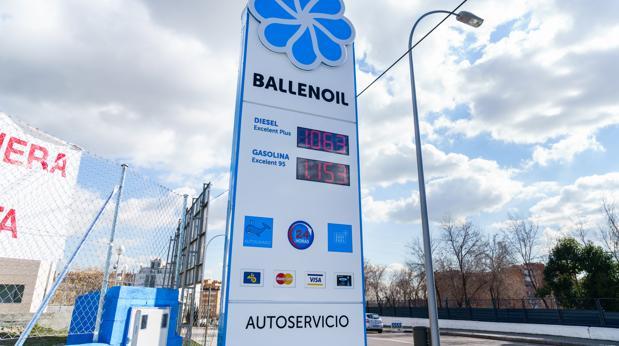 Iberdrola amplía su despliegue de recarga rápida en las gasolineras de Ballenoil