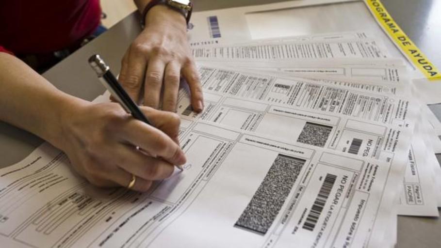 Si aceptas el borrador de la declaración de la Renta sin revisar puedes perder 300 euros