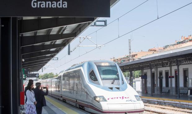 El AVE a Granada nace con polémica: la variante que la crisis económica «se llevó»